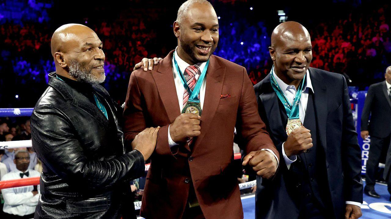 Trio mit sechs Fäusten - Bildquelle: 2020 Getty Images