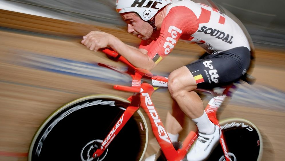 Campenaerts bricht Stundenweltrekord von Bradley Wiggins - Bildquelle: AFPSIDDAVID STOCKMAN