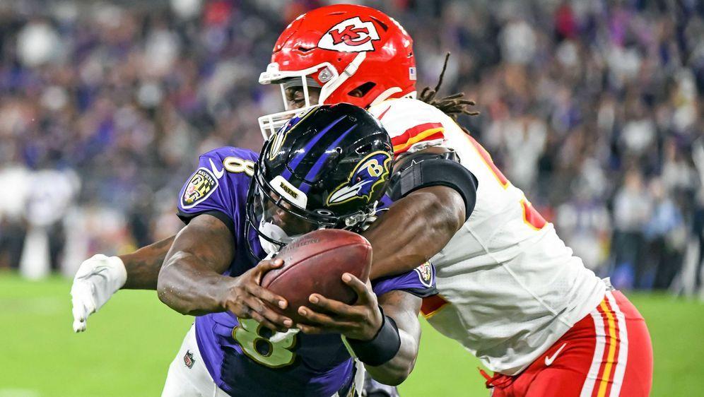 Lamar Jackson führt seine Baltimore Ravens zum Sieg über die Kansas City Chi... - Bildquelle: imago