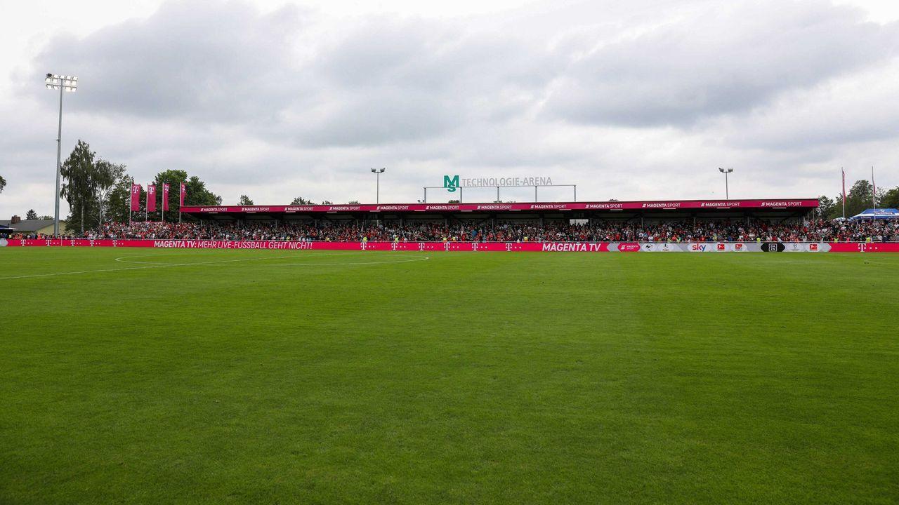 FC 08 Villingen - FC Schalke 04 - Bildquelle: imago images/kolbert-press