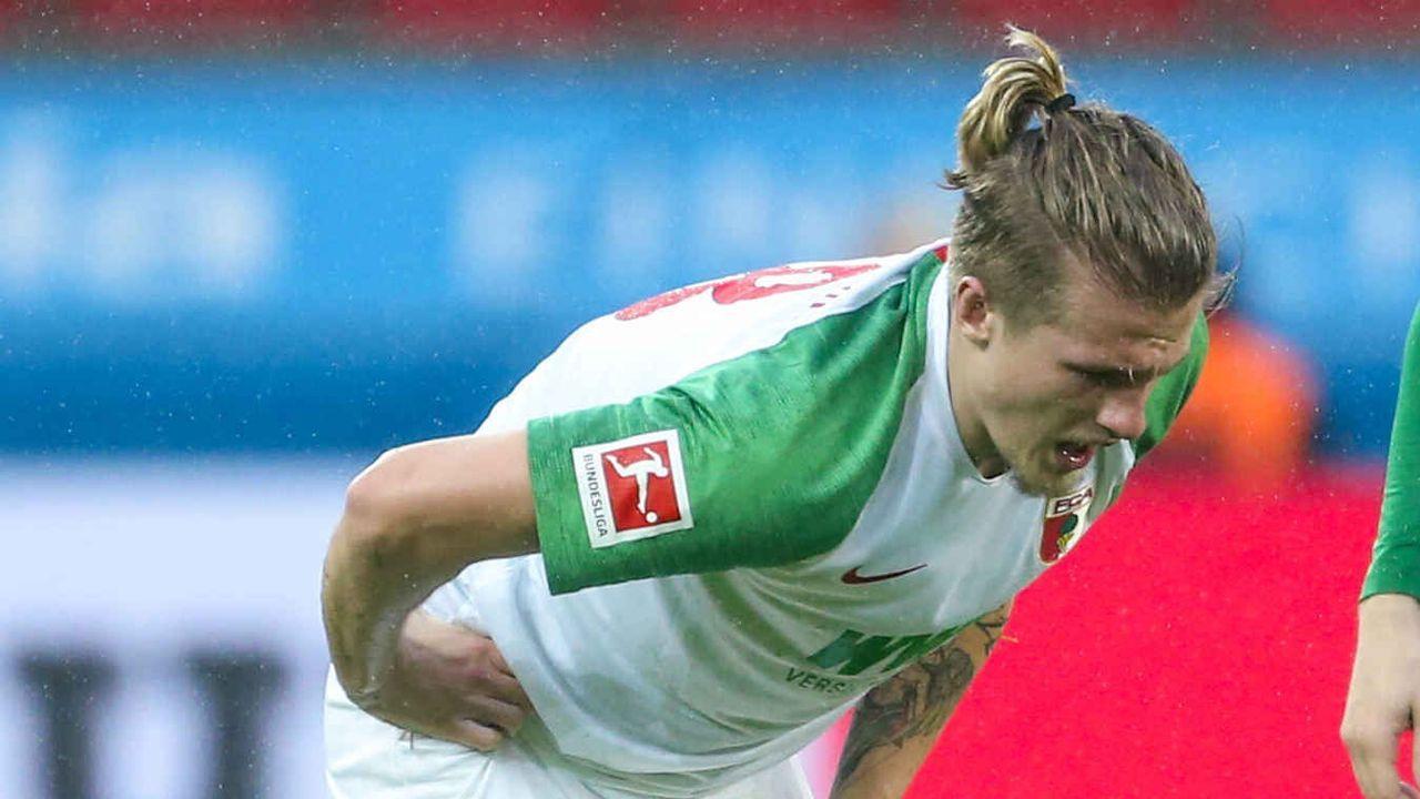 Platz 12: Tin Jedvaj (FC Augsburg) - Bildquelle: imago images/RHR-Foto