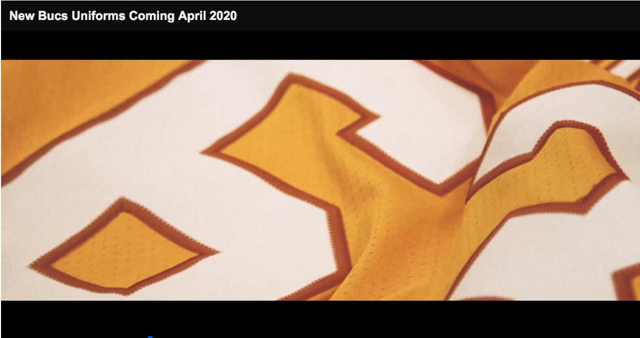 "Neues Trikot für die Tampa Bay Buccaneers - Bildquelle: Screenshot YoutTube ""Tampa Bay Buccaneers"""
