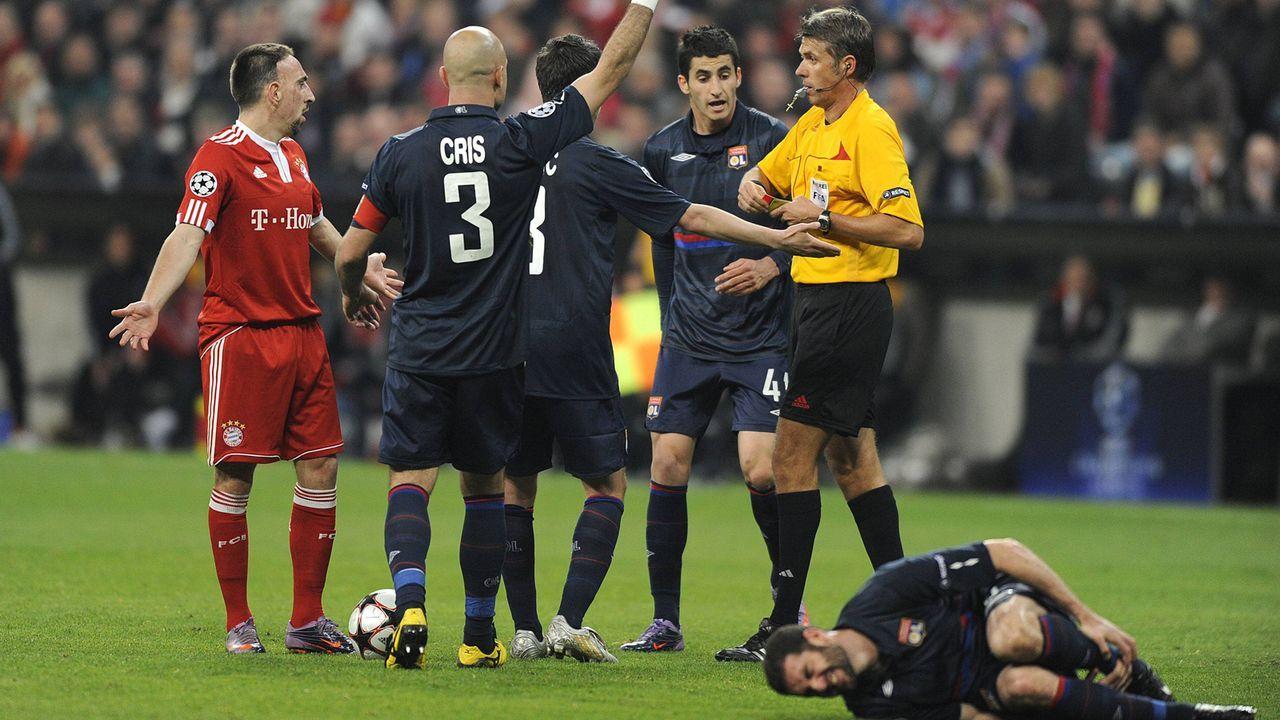 Ribery gegen Lisandro (2010) - Bildquelle: imago