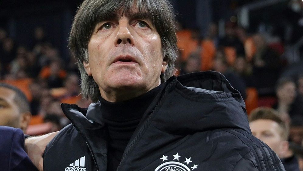 Löw und die DFB-Elf testen angeblich gegen die Schweiz - Bildquelle: FIROFIROSID