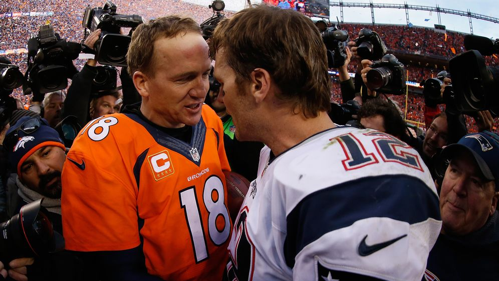 Zwei alte Rivalen: Tom Brady undPeyton Manning. - Bildquelle: Getty Images