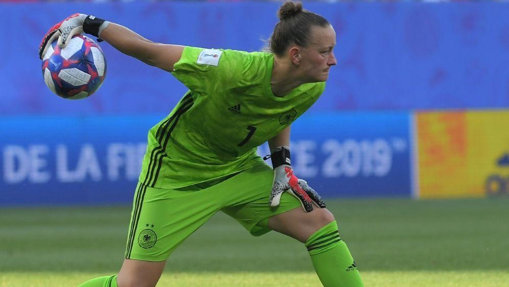 Almuth Schult plädiert für mehr Frauenfußball im TV - Bildquelle: AFPSIDLOIC VENANCE