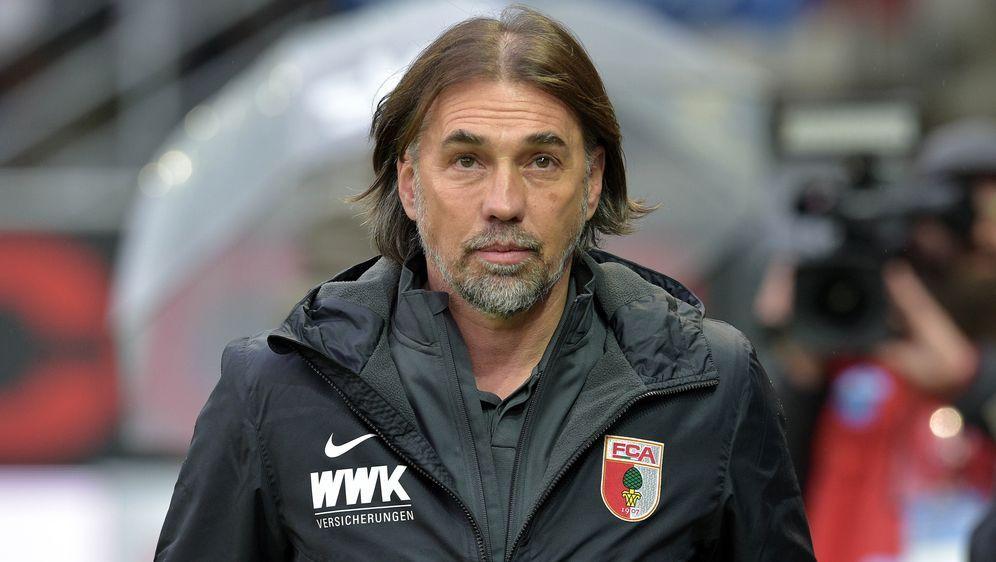 Trainer Martin Schmidt sah ein 4:1 seiner Augsburger - Bildquelle: PIXATHLONPIXATHLONSID