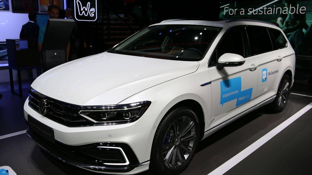 Hybrid-Charts 2020: VW mit dem Passat ganz vorne - Bildquelle: imago images/Cord