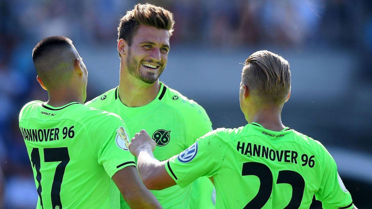 Platz 14: Hannover 96 - Bildquelle: imago/Jan Huebner