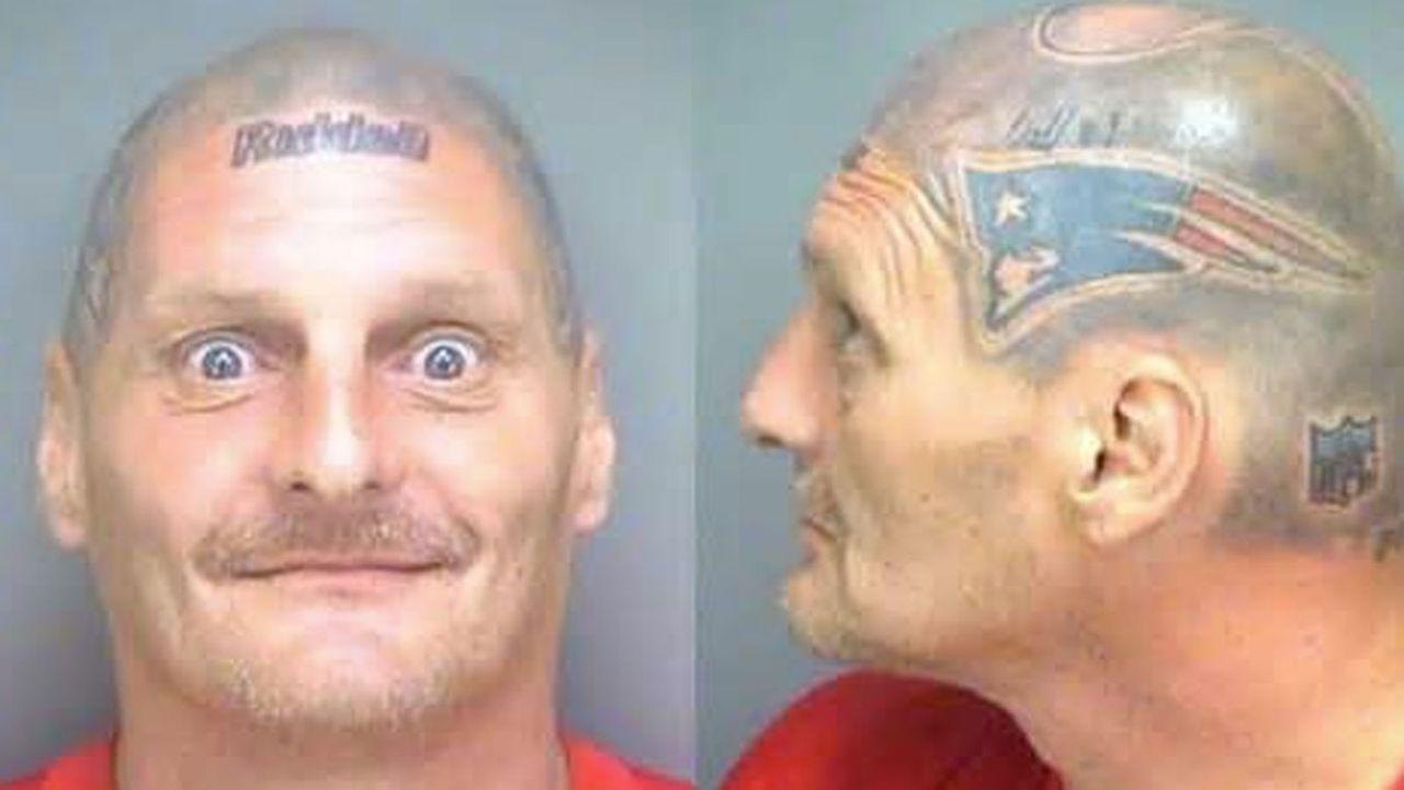 Patriots-Tattoo statt Haare auf dem Kopf - Bildquelle: Twitter/@spirostrading