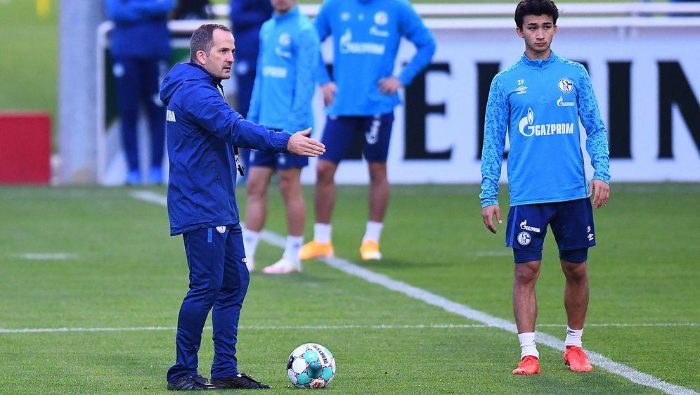 Nick Taitague (re.) blieb ein Einsatz bei den Schalker Profis verwehrt - Bildquelle: imago
