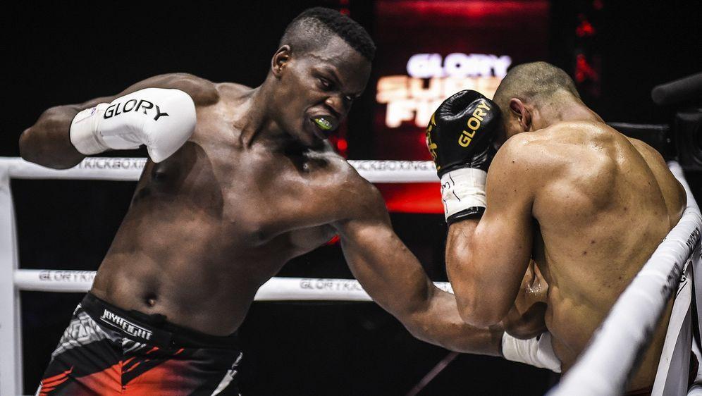 Danyo Ilunga (li.) stand 15 Mal für Glory im Ring - Bildquelle: Glory
