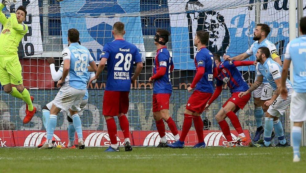 Uerdingen kassiert gegen TSV 1860 die nächste Niederlage - Bildquelle: FIROFIROSID