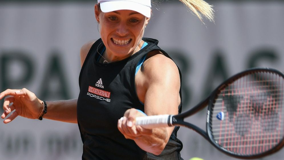 Aus in Runde eins bei den French Open: Angelique Kerber - Bildquelle: AFPSIDANNE-CHRISTINE POUJOULAT