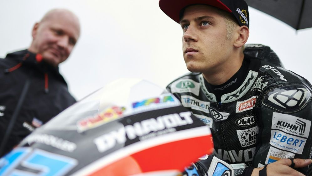 Motorradpilot Marcel Schrötter verletzt sich im Training - Bildquelle: PIXATHLONPIXATHLONSID
