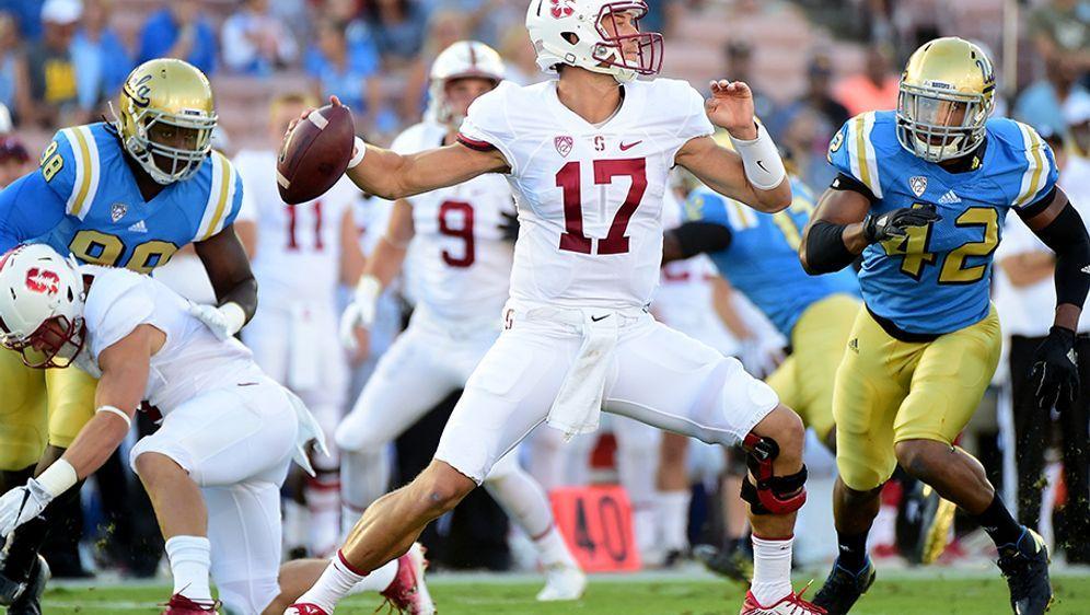Ryan Burns (M.) aus Stanford im Spiel gegen UCLA - Bildquelle: 2016 Getty Images