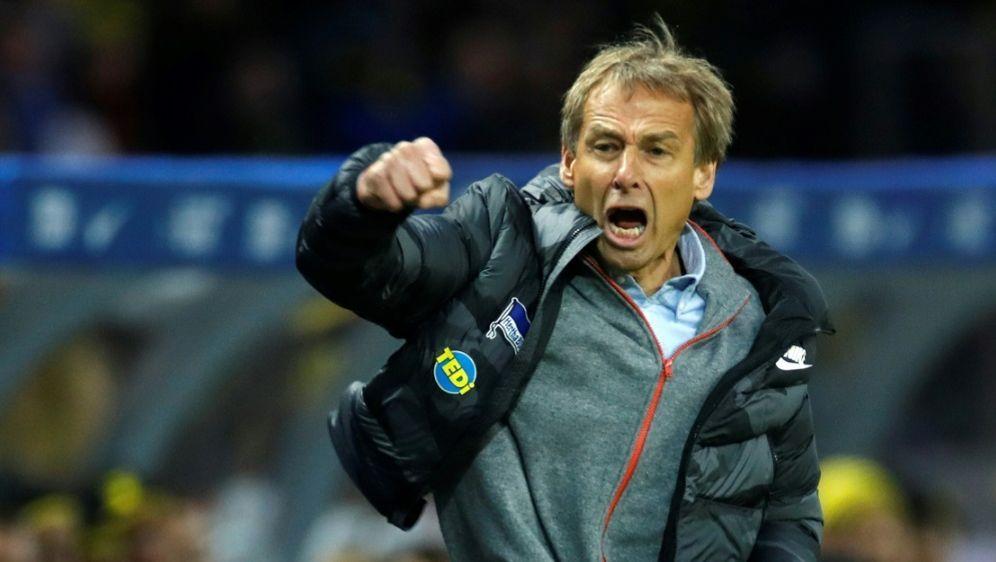 Jürgen Klinsmann vor Auswärtspremiere in Frankfurt - Bildquelle: AFPAFPOdd ANDERSEN