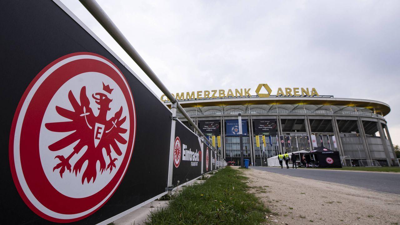 Platz 11: Eintracht Frankfurt  - Bildquelle: imago images / Jan Huebner