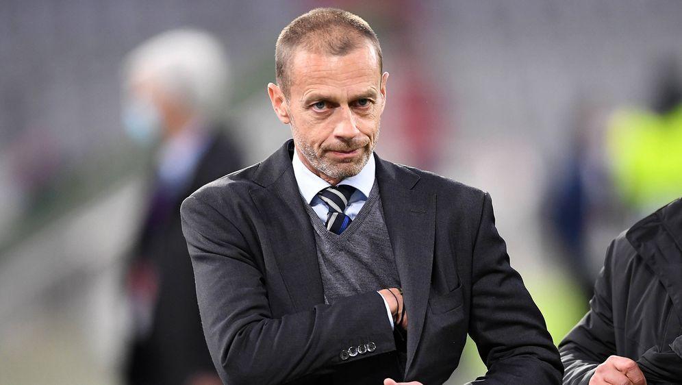 Machtkampf: UEFA-BossAleksander Ceferin versucht die Einführung der Super L... - Bildquelle: Imago Images