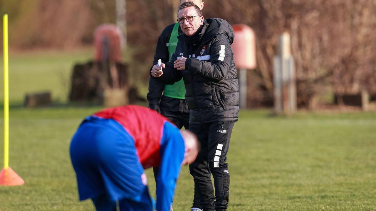 Ex-Coach Meier reicht Klage ein - Bildquelle: imago/Revierfoto