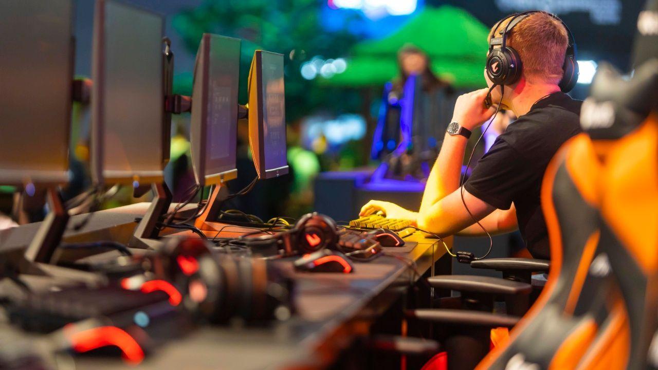 eSport: Die besten Sport-Games für 2020 - Bildquelle: imago