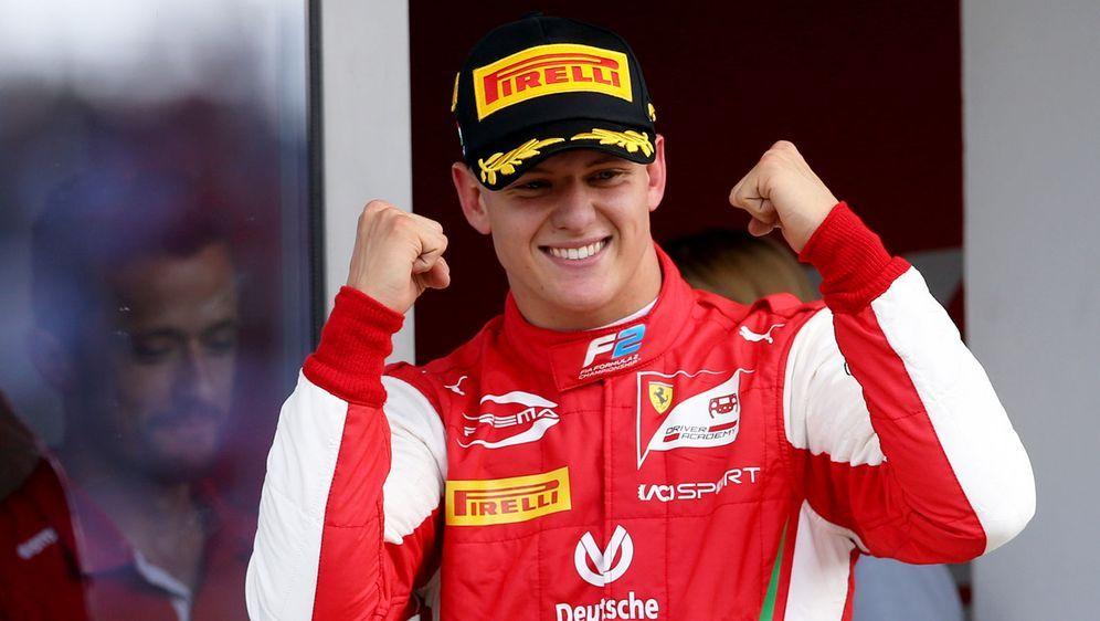 Zwei Fäuste für die Formel 1: Mick Schumachers Traum vom Aufstieg in die Kön... - Bildquelle: Getty Images