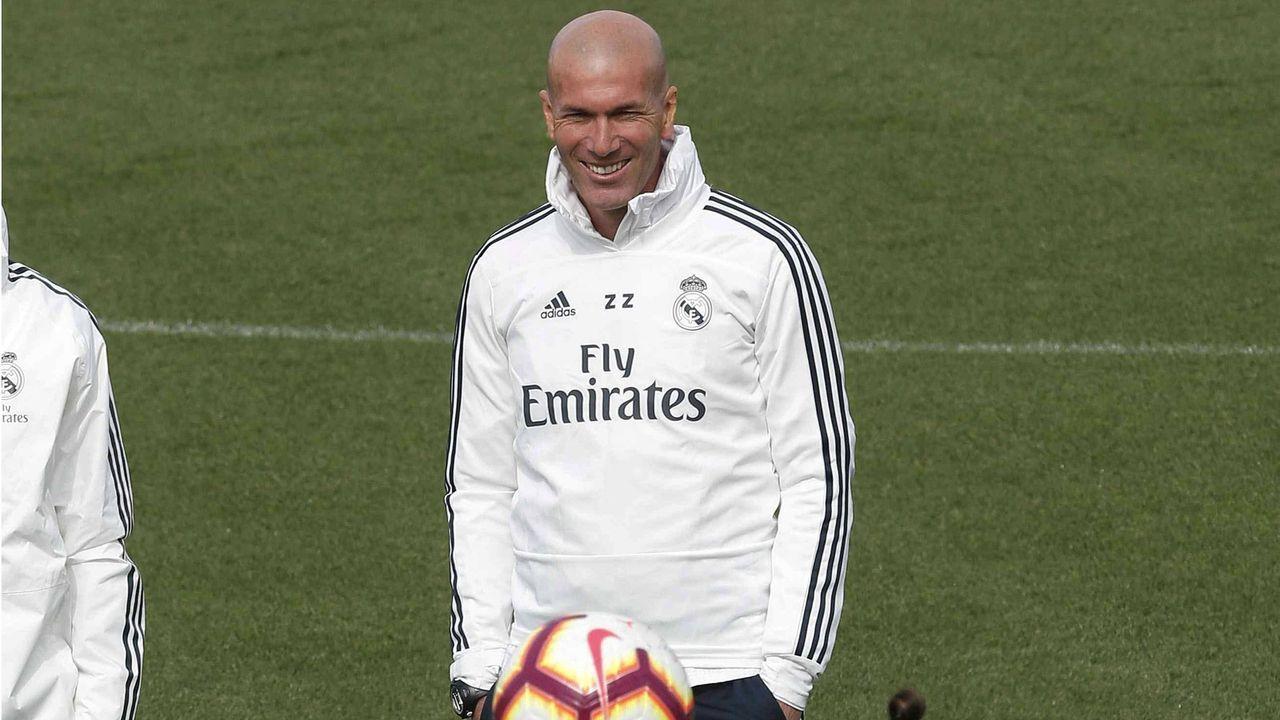 Zinedine Zidane will neue Stars bei Real Madrid  - Bildquelle: imago images / Agencia EFE