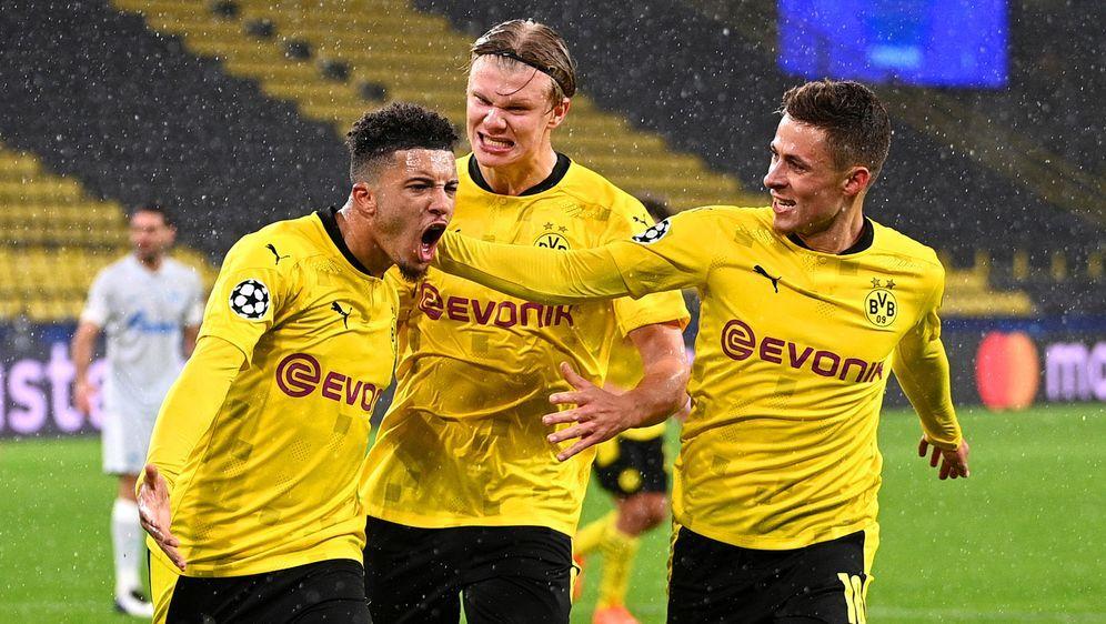 Sancho erlöst den BVB vom Punkt. - Bildquelle: 2020 Getty Images