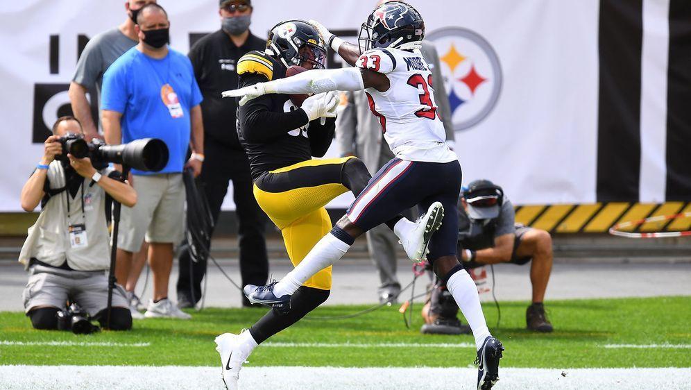 Steelers-Tight-End Eric Ebron schnappt sich den ersten Touchdown der Steeler... - Bildquelle: 2020 Getty Images
