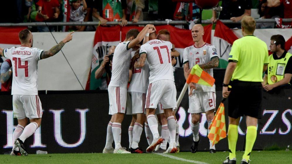 Ungarn feiert Sieg gegen Wales in der EM-Qualifikation - Bildquelle: AFPSID