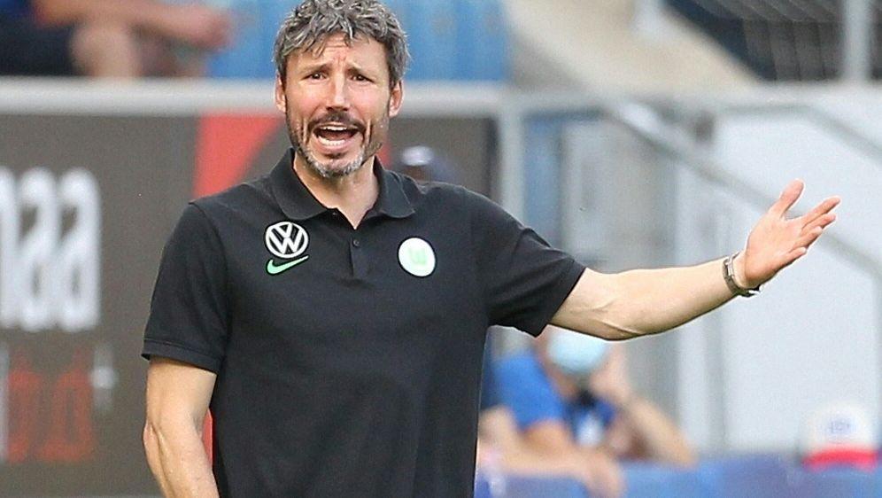 VfL Wolfsburg: Mark van Bommel warnt vor Gegner Sevilla - Bildquelle: AFPSIDDANIEL ROLAND
