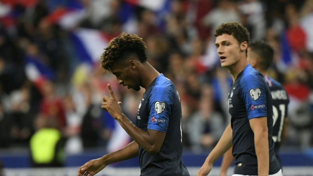 Coman Trifft Doppelt Frankreich Siegt Mit Bayern Quartett