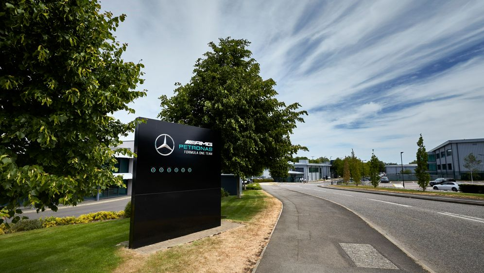 Mercedes-Fabrik in Brackley - Bildquelle: Mercedes