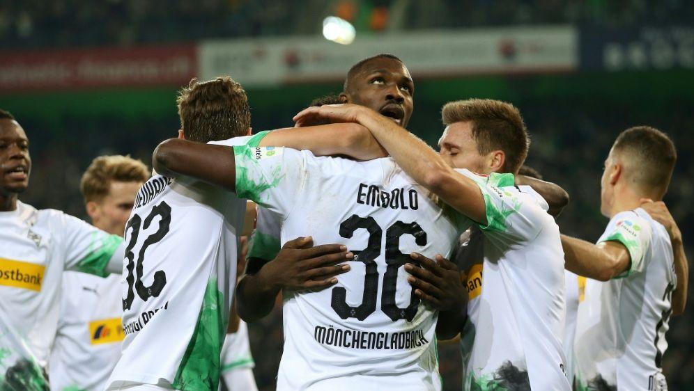 Gladbach bleibt weiter Bundesliga-Spitzenreiter - Bildquelle: FIROFIROSID