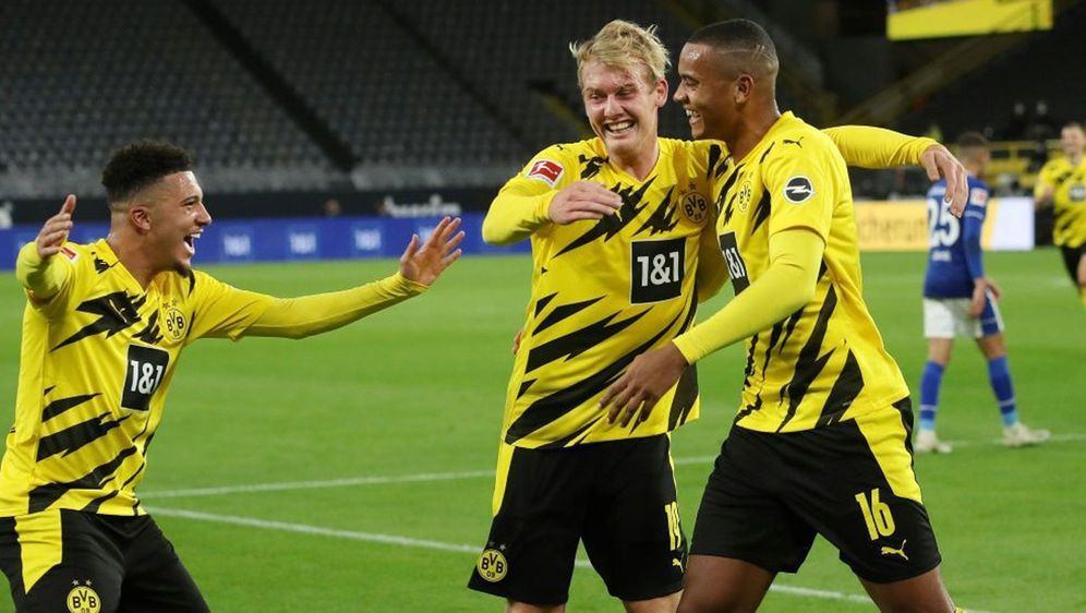 Manuel Akanji (re.) brachte die Dortmunder per Kopf in Führung. - Bildquelle: FIROFIROSID