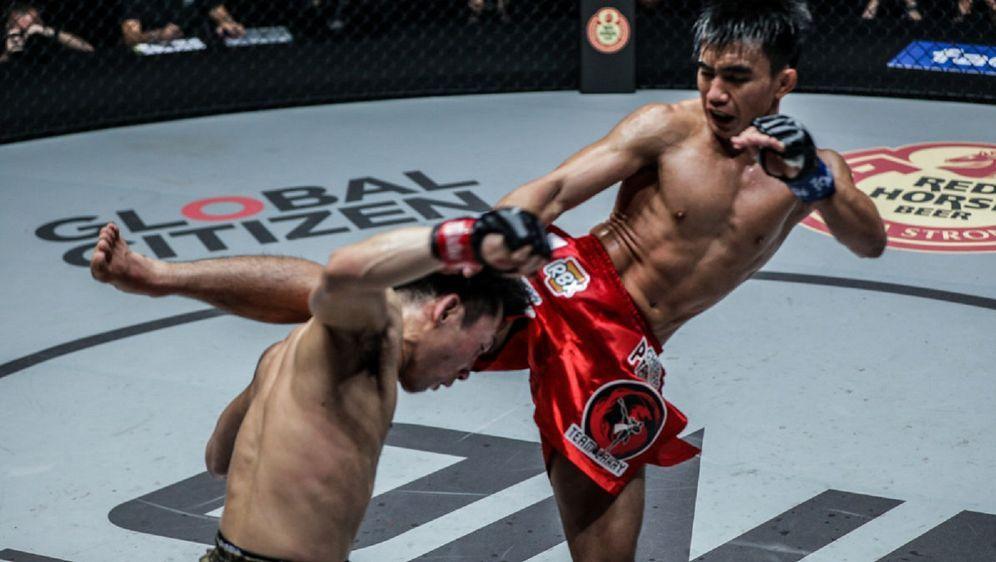 Joshua Pacio (re.) gewann den ONE-Titel per Knockout - Bildquelle: ONE Championship