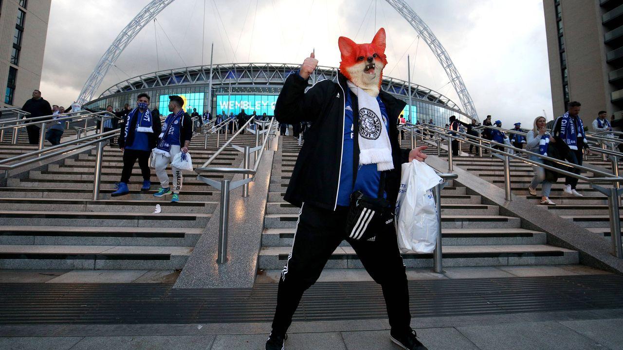 """""""Foxes""""-Fan auf dem Weg ins Wembley-Stadion - Bildquelle: imago images/PA Images"""
