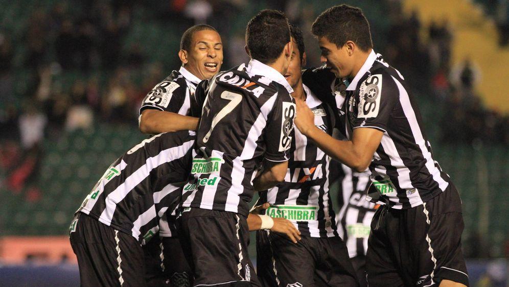 Spieler von CA Bragantino - Bildquelle: imago