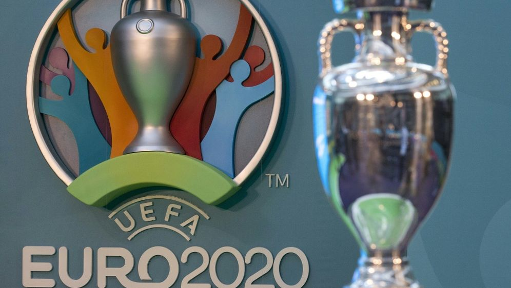 Medien: UEFA diskutiert Verlegung der EM - Bildquelle: AFPSIDJUSTIN TALLIS