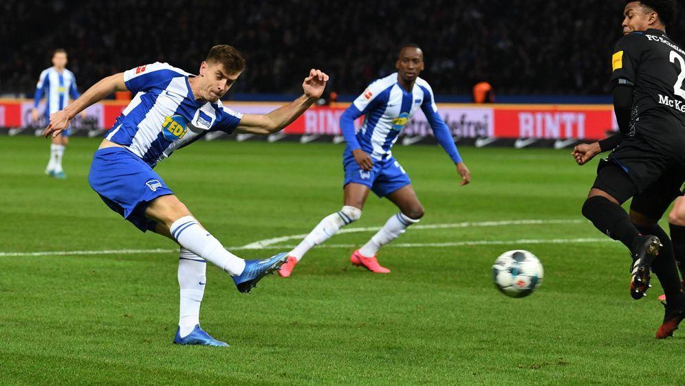Gab gegen Schalke sein Bundesliga Debüt: Krzysztof Piatek - Bildquelle: imago images/Matthias Koch