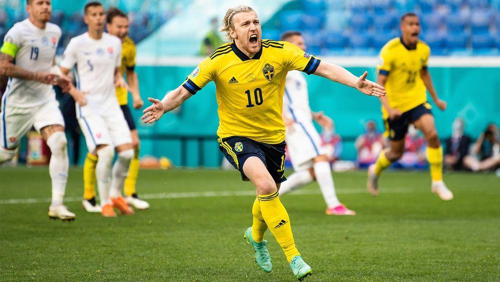Emil Forsberg erzielt den Siegtreffer für Schweden - Bildquelle: Imago Images