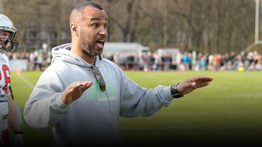 Im Sommer 2021 startet die European League of Football mit Coach Esume. - Bildquelle: imago