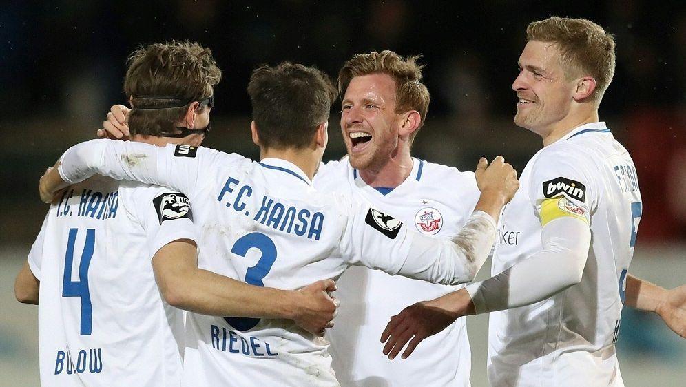 Hansa Rostock steht nach 4:1-Erfolg im DFB-Pokal - Bildquelle: FIROFIROSID