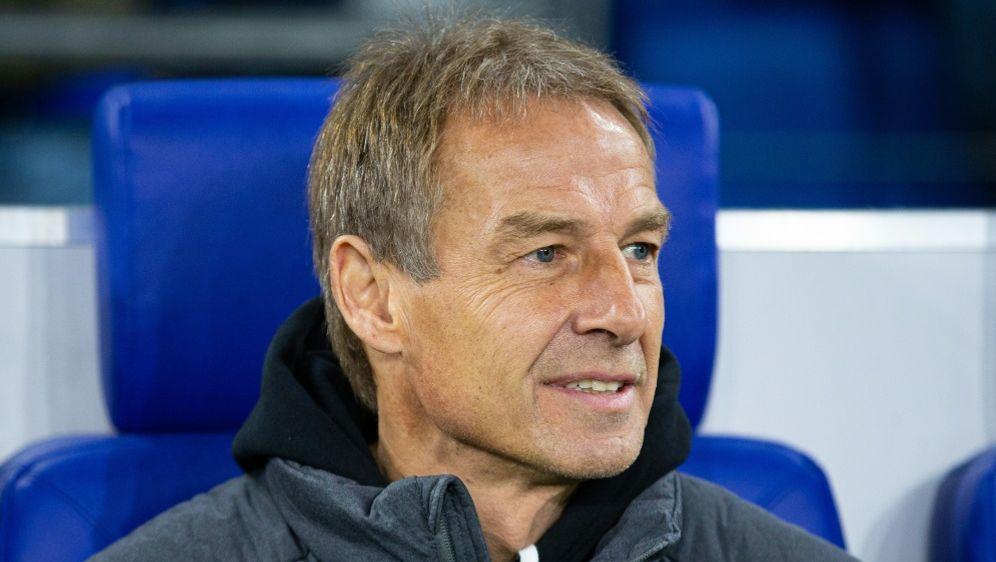 Jürgen Klinsmann vertraut Bundestrainer Hansi Flick - Bildquelle: FIROFIROSID