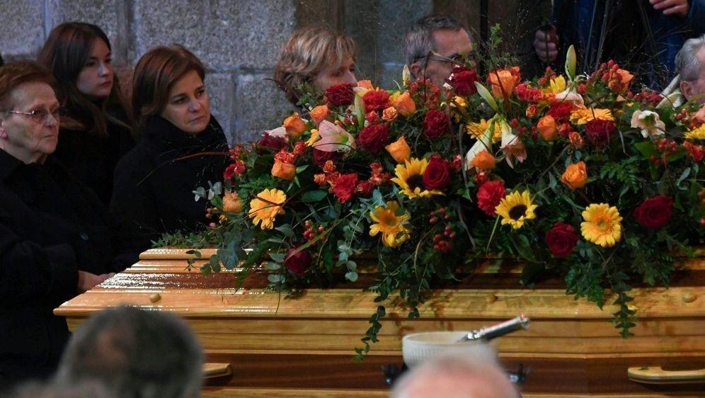 Familie und Freunde gedenken Raymond Poulidor - Bildquelle: AFPSIDMEHDI FEDOUACH