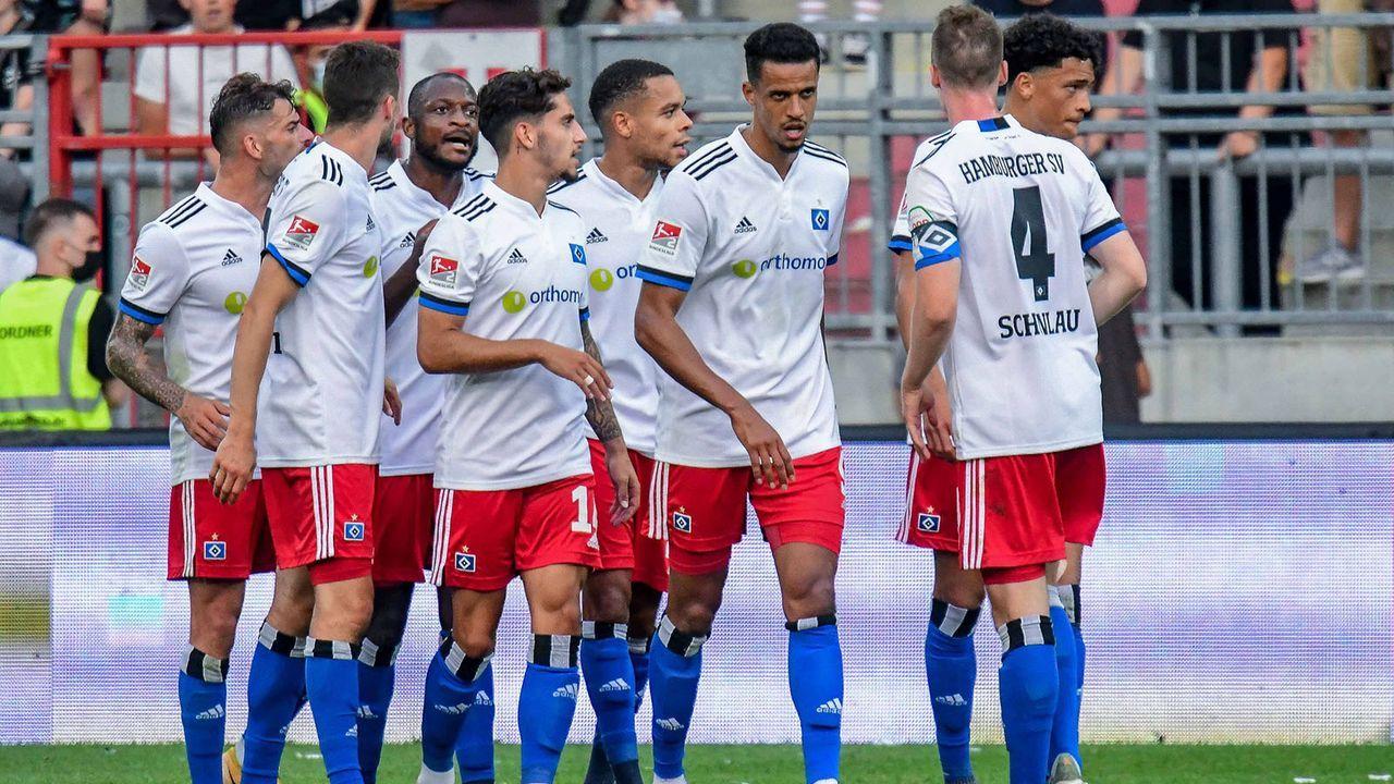 Platz 8: Hamburger SV - Bildquelle: imago images/Oliver Ruhnke