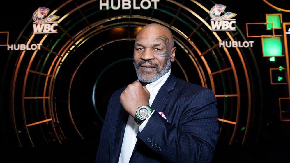 Box-Legende Mike Tyson kehrt in den Ring zurück - Bildquelle: 2019 Omar Vega / Hublot