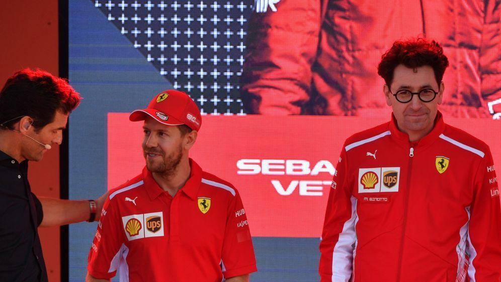 Sebastian Vettel und Teamchef Mattia Binotto: Diese Beziehung ist endgültig ... - Bildquelle: Motorsport Images