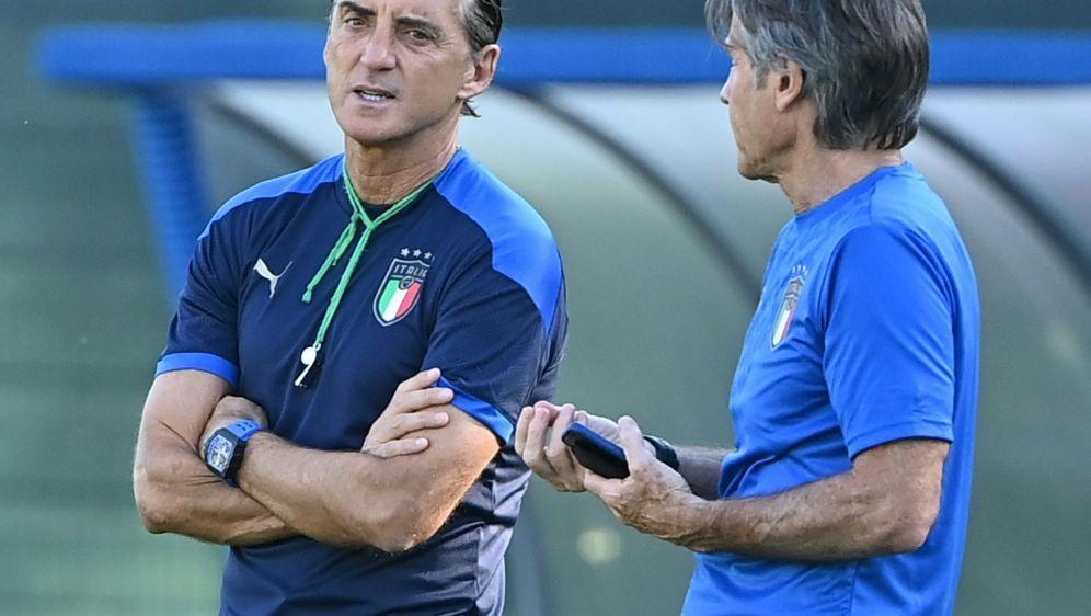 Mancini setzt gegen Wales auf Mittelfeldchef Verratti - Bildquelle: AFPSIDANDREAS SOLARO