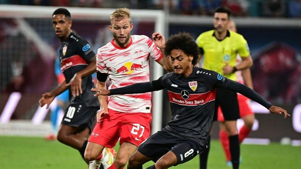 Verletzung beim VfB: Enzo Millot (r) fehlt einige Wochen - Bildquelle: AFP/SID/TOBIAS SCHWARZ